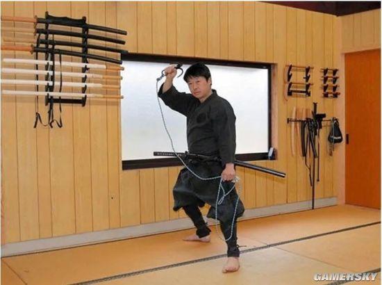 日本首位忍者專業碩士生畢業:讀書習武還得種菜