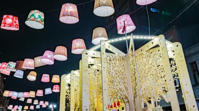 永樂廣場裝置藝術「永樂桃花源」創藝生活和你一起,成為熱門拍照打卡點
