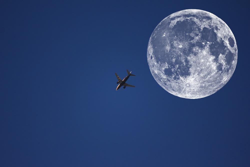"""澳航推出""""空中觀賞超級月亮航班""""2分半鐘銷售一空"""