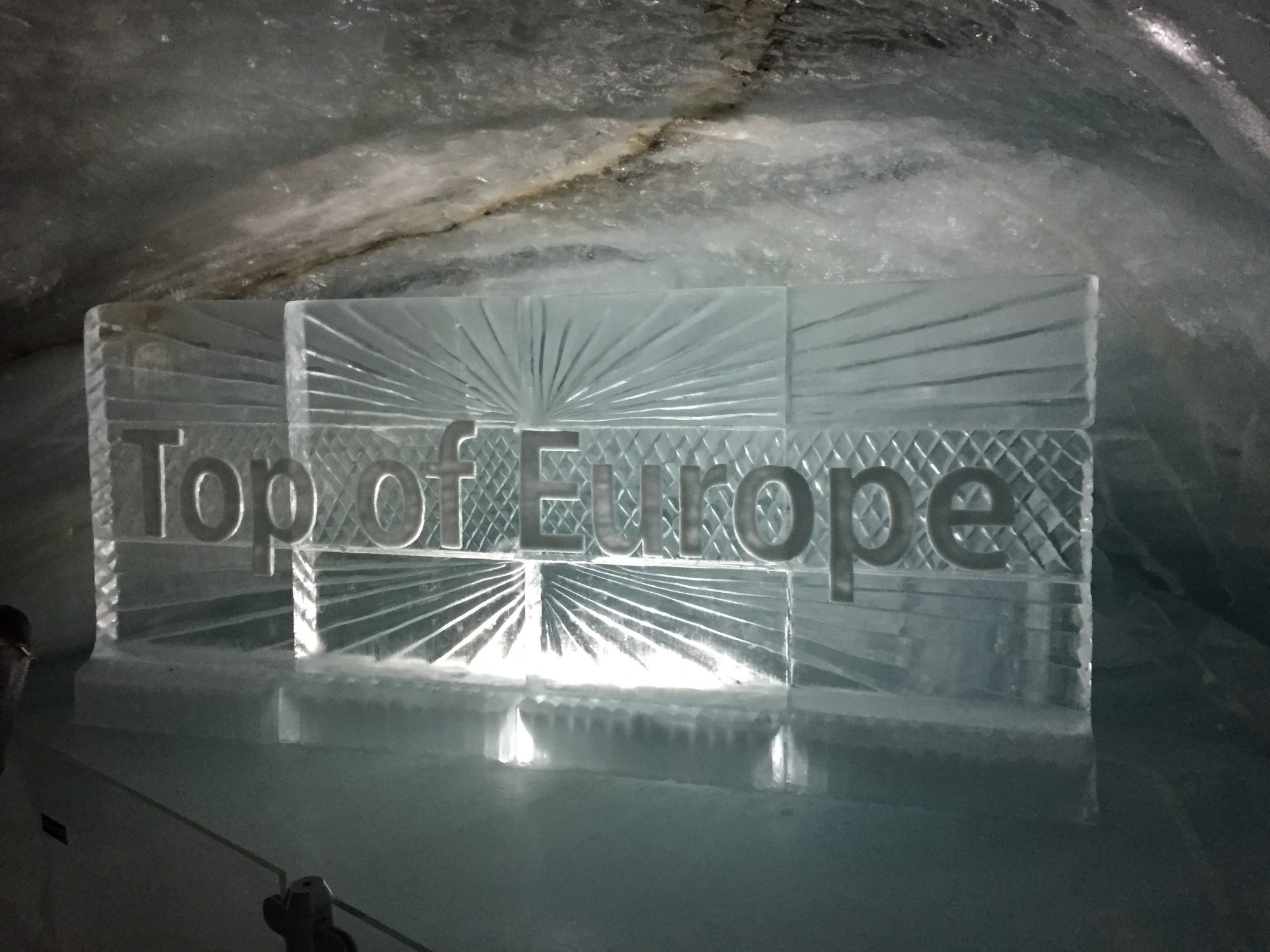 瑞士強制要求有 COVID-19 證書才能進入室內公共空間